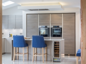 Fully integrated SieMatic kitchen and drinks fridge at Stocksmead